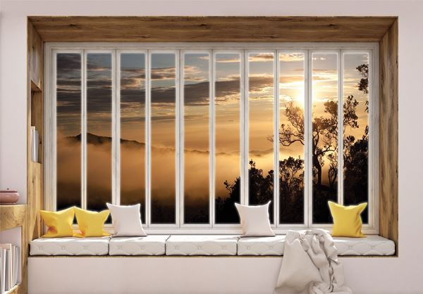 Obrazek Widok z okna na góry we mgle